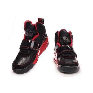 Air Jordan Yeezy noir rouge