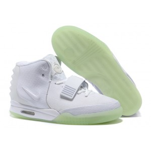 nike air yeezy 2 glow in the dark blanc