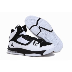 chaussure air jordan Flight 23 RST blanc noir