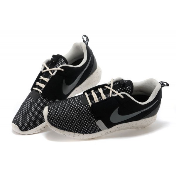 baorf Nike Roshe Run Mid Chaussures Homme Noir Blanc Site ngxdt Suivant