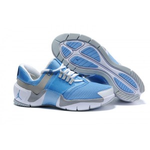 Chaussures air jordan alpha trunner bleu gris blanc